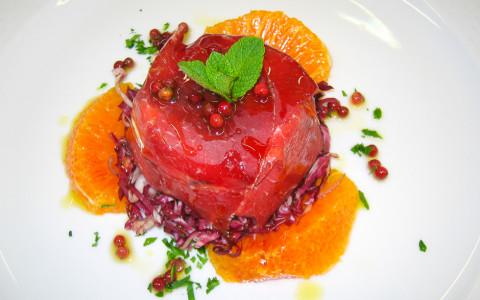 Tortino di bresaola con radicchio e arance